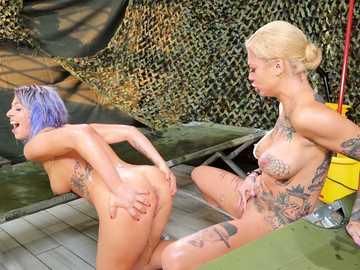 Bonnie Rotten and Zoey Monroe: Squirt Training