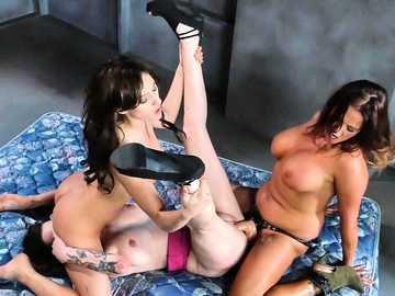Addison Ryder gets sexual experience from steaming milfs Tory Lane and Vera Drake