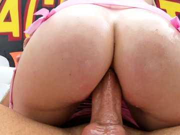 Heavy-weighted dick owner Mike Adriano screws anus of Riley Nixon
